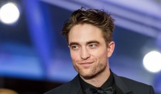 Star Radio - Robert Pattinson Dikabarkan Bakal Perankan Batman