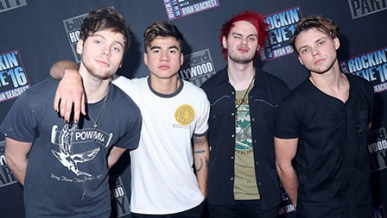 Star Radio - 5 Seconds of Summer Galau di Video Musik 'Want You Back'