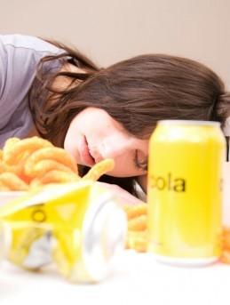 Star Radio - 4 Makanan yang Harus Dihindari agar Tak Mengantuk Usai Makan Siang
